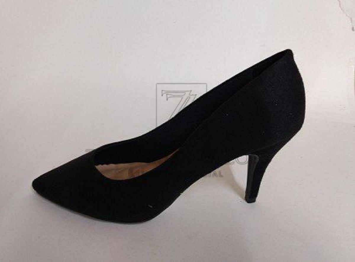150 pares de sapato (scarpim), salto de 9cm,  numeração diversa, cor preta, ref. 4012.